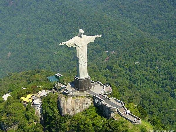 Foto Kristus Sang Penebus di Brasil
