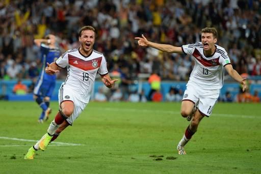 Foto Perayaan Gol Mario Goetze