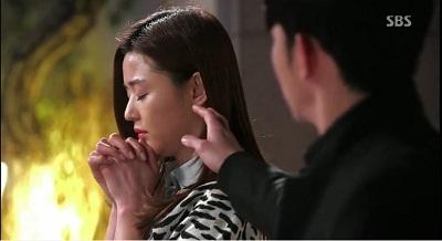 Gambar adegan Do Min-joon hendak berpisah dengan Cheon Song-yi