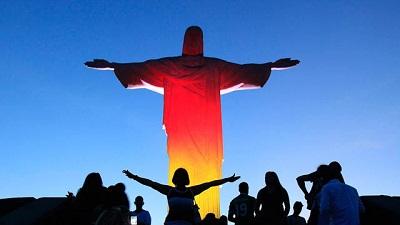 Gambar Patung Kristus Berbendera Jerman