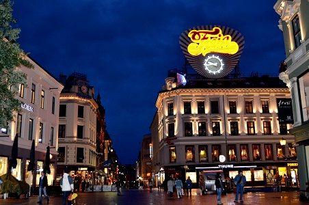 Foto kota Oslo Norwegia di Malam Hari