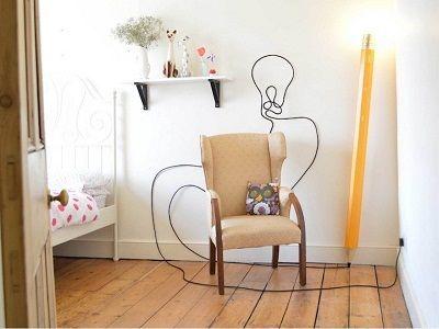 Foto lampu berbentuk pensil menarik