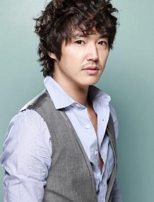 Gambar aktor Yoon Sang-hyun