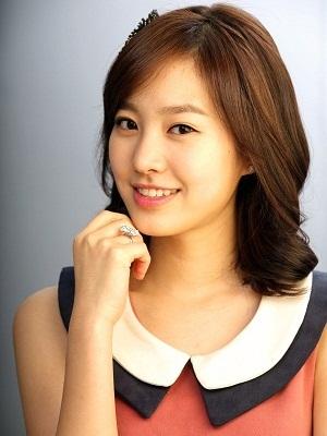 Gambar aktris Jin Se-yeon