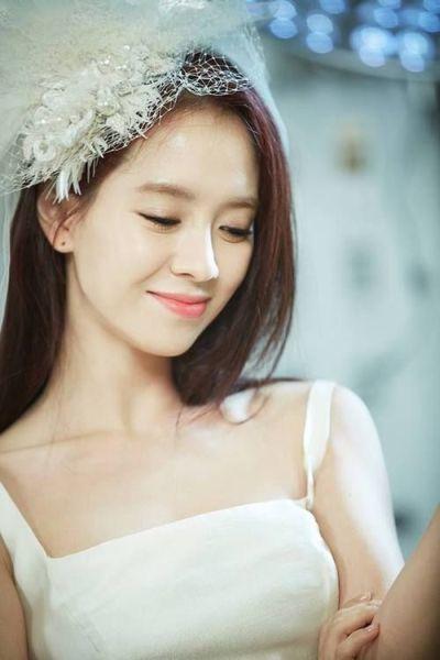 Foto aktris Korea Song Ji-hyo 1