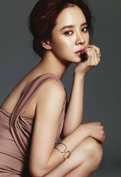 Foto aktris Korea Song Ji-hyo 10