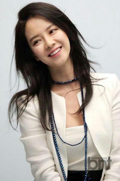 Foto aktris Korea Song Ji-hyo 12