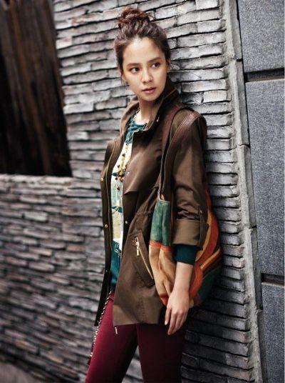 Foto aktris Korea Song Ji-hyo 14