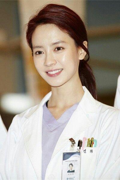Foto aktris Korea Song Ji-hyo 15