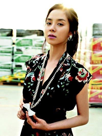 Foto aktris Korea Song Ji-hyo 2