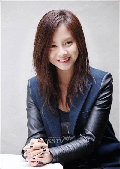 Foto aktris Korea Song Ji-hyo 24
