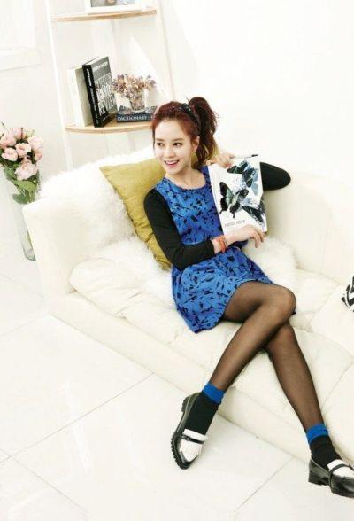 Foto aktris Korea Song Ji-hyo 27