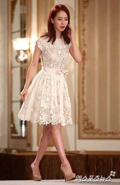Foto aktris Korea Song Ji-hyo 3