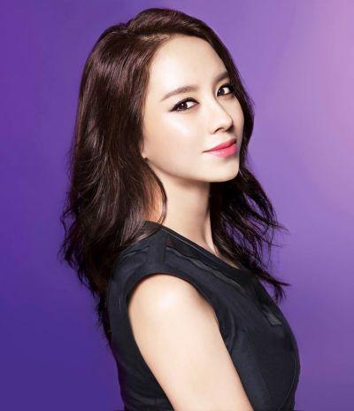 Foto aktris Korea Song Ji-hyo 31