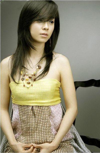 Foto aktris Korea Song Ji-hyo 35