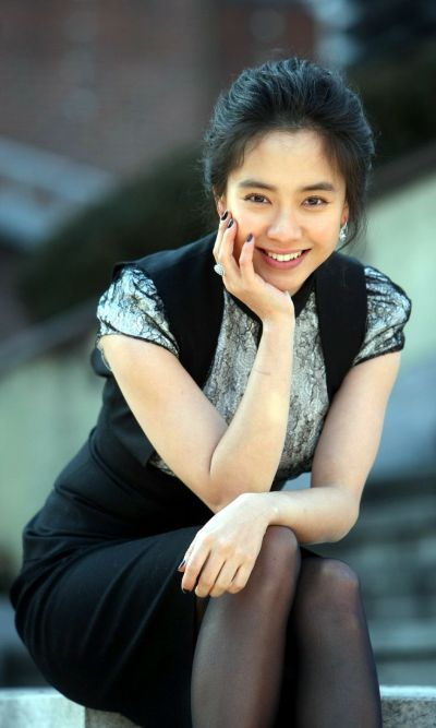 Foto aktris Korea Song Ji-hyo 40