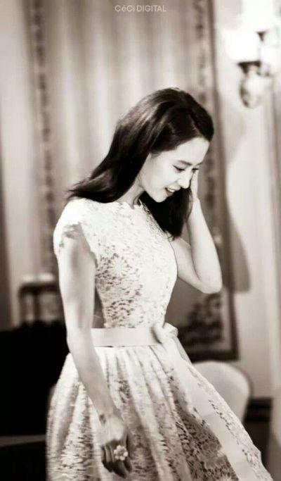 Foto aktris Korea Song Ji-hyo 46