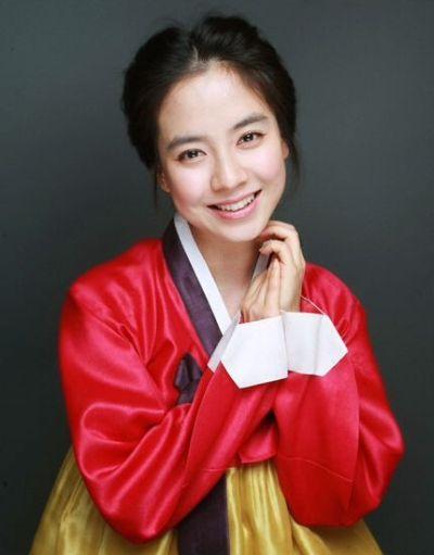 Foto aktris Korea Song Ji-hyo 47