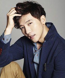 Foto Ki Tae Young