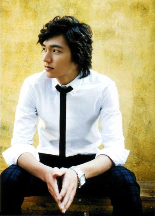 Foto Lee Min Ho dalam berbagai gaya 22