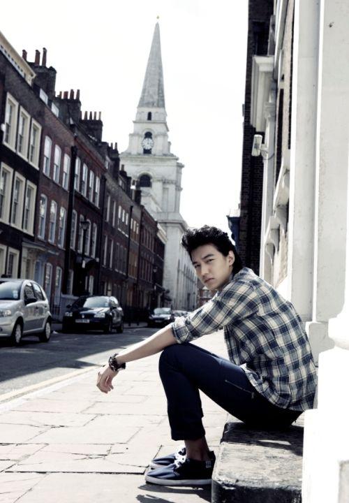 Foto Lee Min Ho dalam berbagai gaya 26