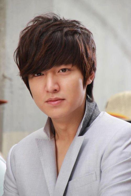 Foto Lee Min Ho dalam berbagai gaya 31