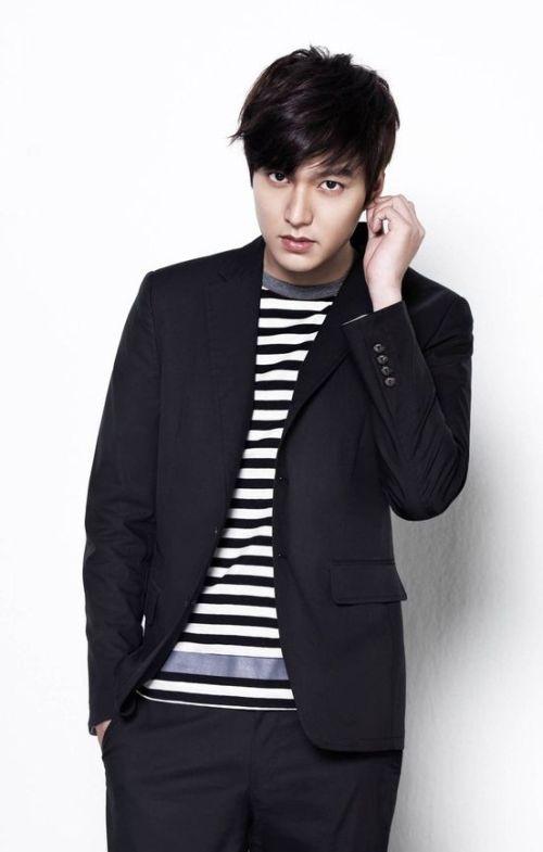 Foto Lee Min Ho dalam berbagai gaya 34