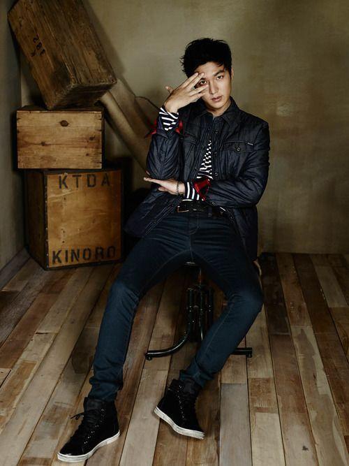 Foto Lee Min Ho dalam berbagai gaya 35