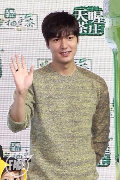 Foto Lee Min Ho dalam berbagai gaya 42