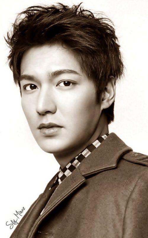Foto Lee Min Ho dalam berbagai gaya 44