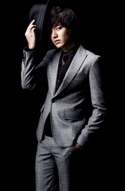 Foto Lee Min Ho dalam berbagai gaya 49
