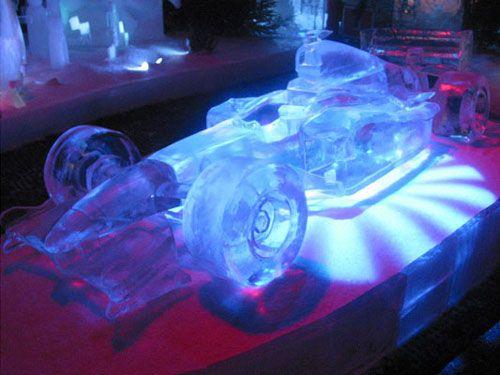 Mobil F1 dari es