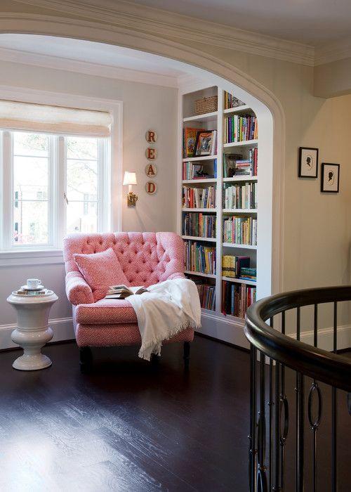 Perpustakaan kecil di sudut rumah 5