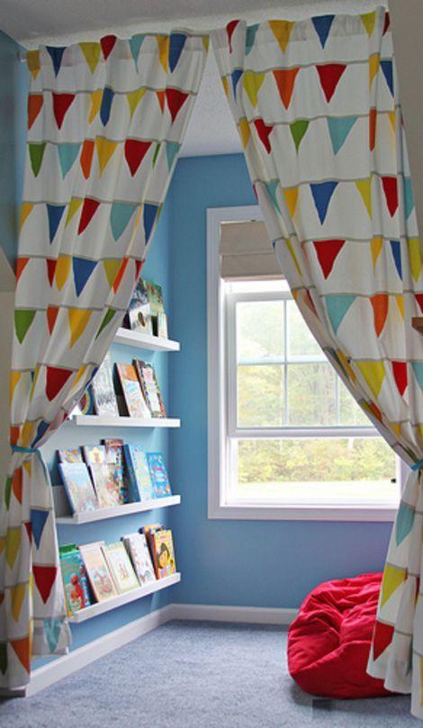 Perpustakaan kecil di sudut rumah 7