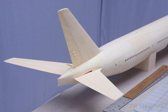 Pesawat kertas unik 11