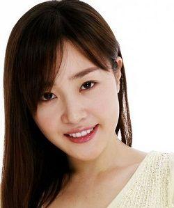 Foto Uhm Ji Won