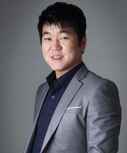 Foto Yoon Je Moon