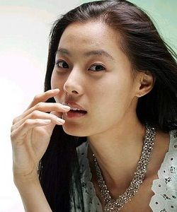 Foto Yoon So Yi