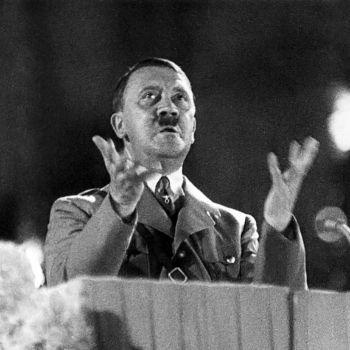 Pidato Adolf Hitler