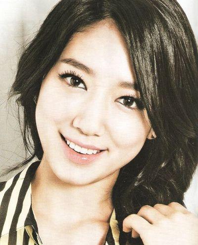 Foto Aktris Cantik Korea Park Shin-hye 3