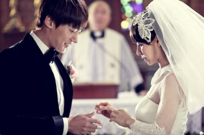 Foto Adegan Drama Emergency Couple 16