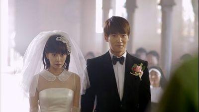 Foto Adegan Drama Emergency Couple 23
