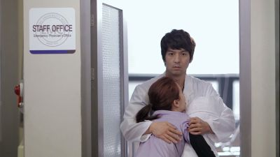 Foto Adegan Drama Emergency Couple 34