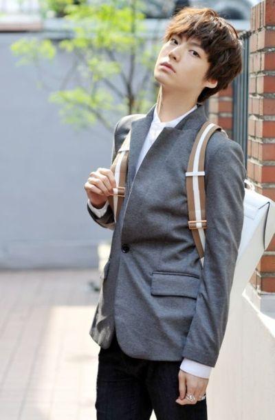 Foto Aktor Korea Ahn Jae-hyun 1