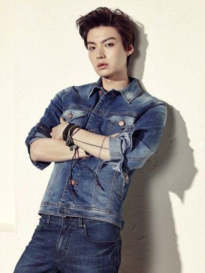 Foto Aktor Korea Ahn Jae-hyun 19