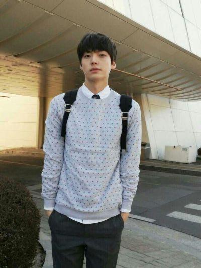 Foto Aktor Korea Ahn Jae-hyun 25