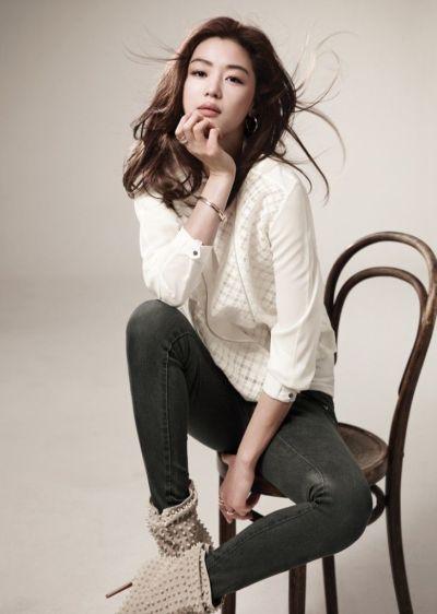 Foto Aktris Cantik Jun Ji-hyun 4