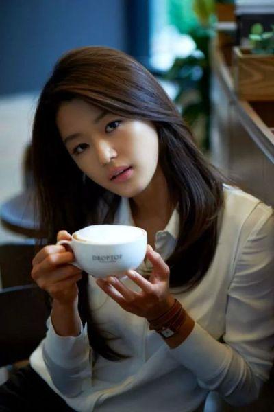 Foto Aktris Cantik Jun Ji-hyun 6