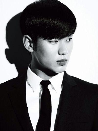 Foto keren Kim Soo-hyun 22