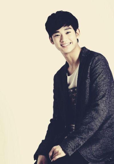Foto keren Kim Soo-hyun 27